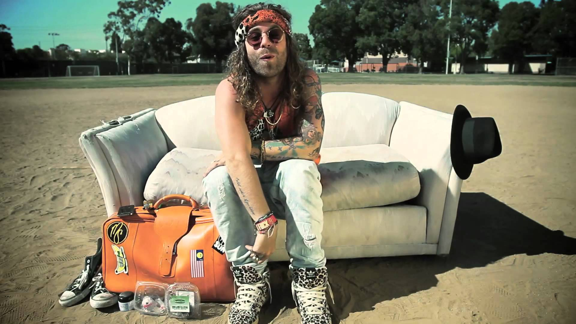 "Mod Sun releases new video for ""Beautiful Problem"" ft. gnash & Maty"