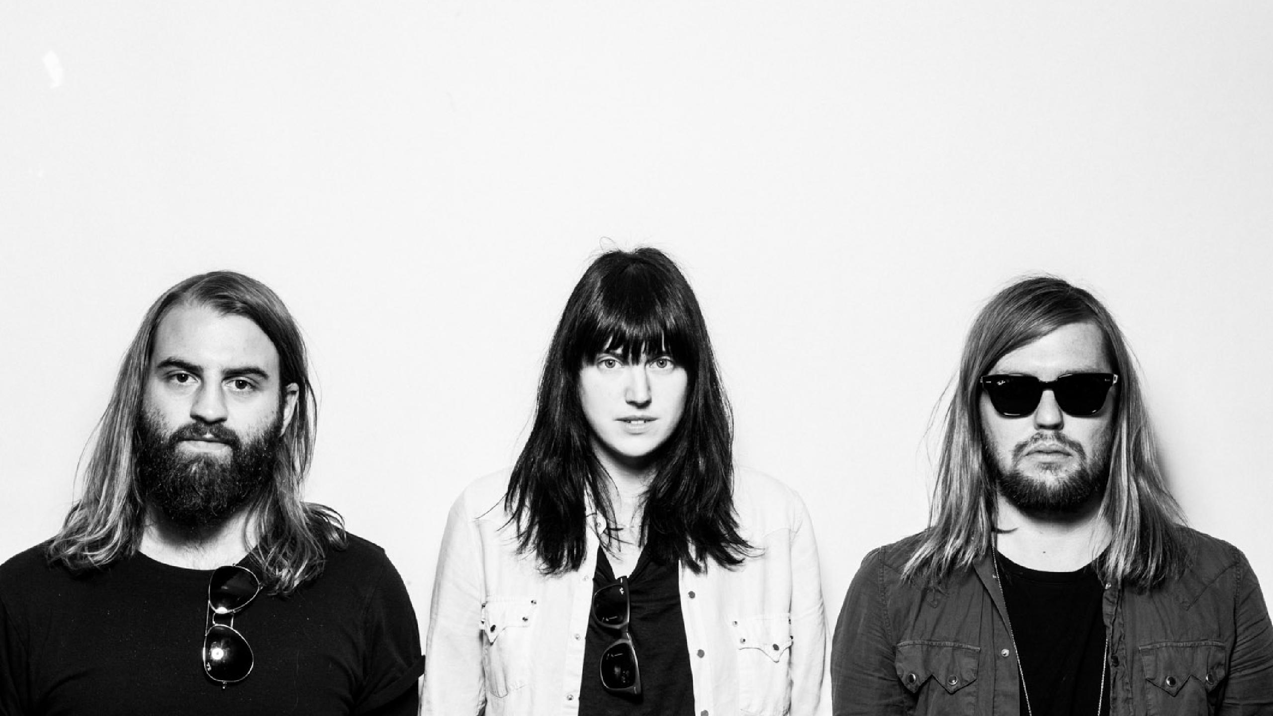 RECORD OF THE WEEK – BAND OF SKULLS – LOVE IS ALL YOU LOVE