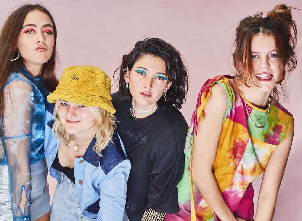 HINDS announce new album THE PRETTIEST CURSE out on April 3rd